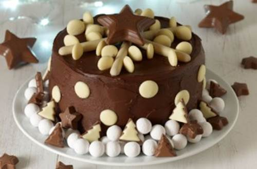 Creative Chocolate Button Cakes DIY Ideas 4