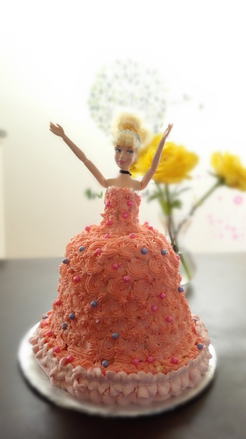 DIY Barbie Doll Cake with Heavy Whipping Cream Frosting DIY Barbie Doll Cake with Heavy Whipping Cream Frosting 010