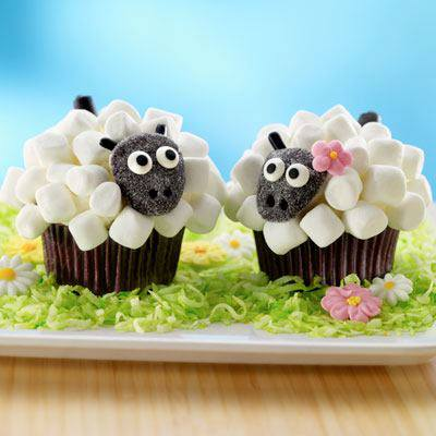 Marshmallow Sheep Cupcakes1
