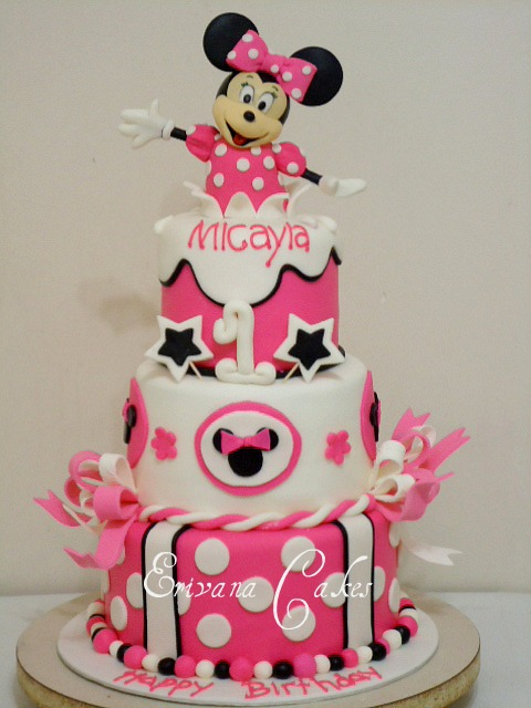 Minnie Mouse Cake1