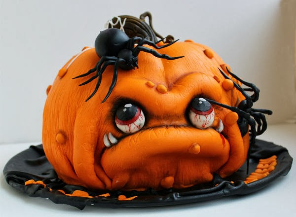 Weird Creepy Spooky and Scary Halloween Cakes