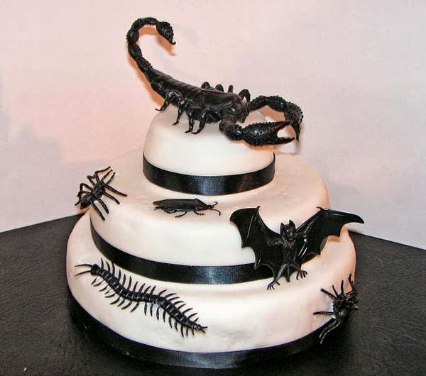 Weird Creepy Spooky and Scary Halloween Cakes Scorpion