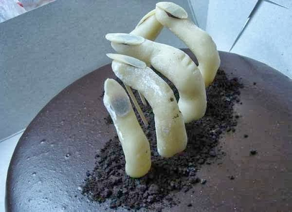 Weird Creepy Spooky and Scary Halloween Cakes pale fingers