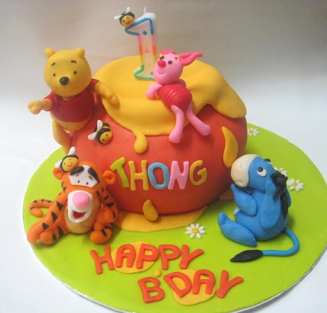 Winnie The Pooh Hunny Cake