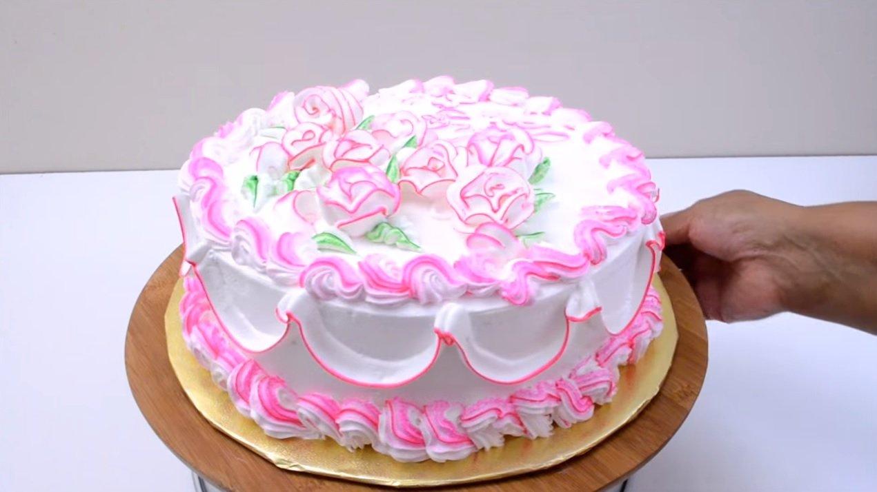 Brush Striping   Cake Decoration