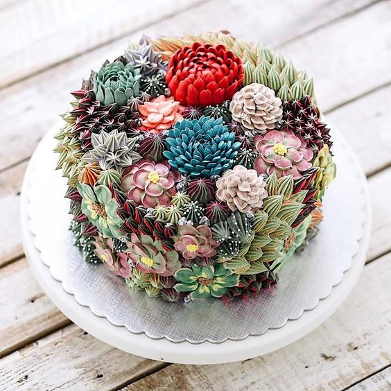 cake decorated with succulents 1 Copia