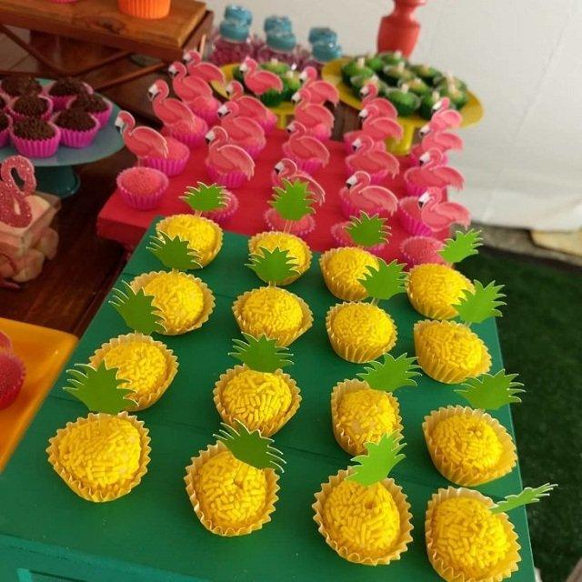 cakes hawaiian party ideas 290