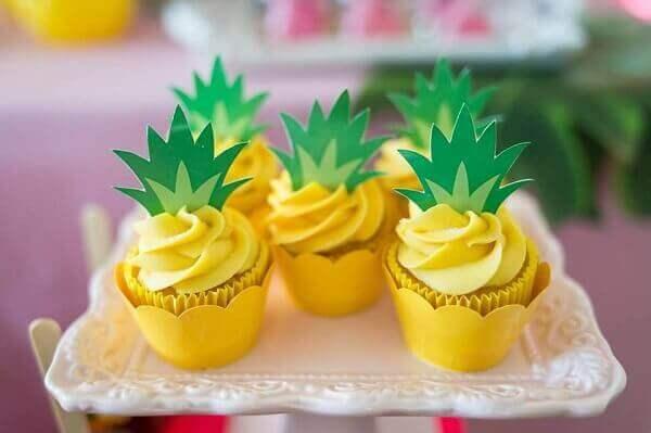 cakes hawaiian party ideas 9