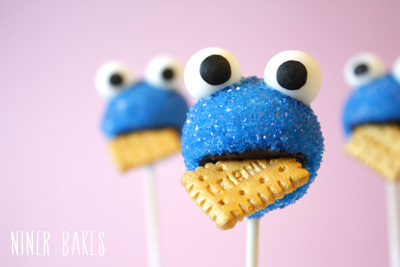 cookie-monster-cake-pops