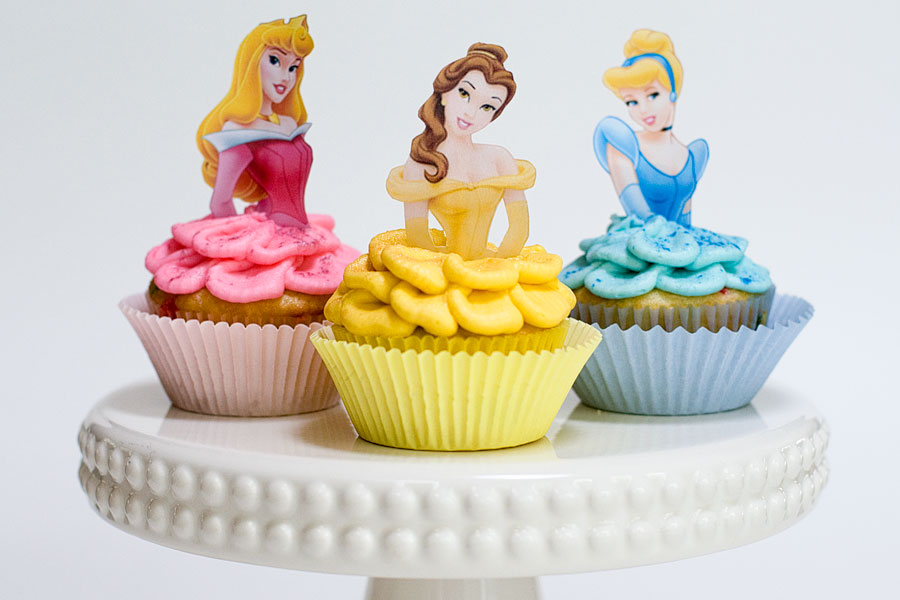 Anniversaire Cups Cake