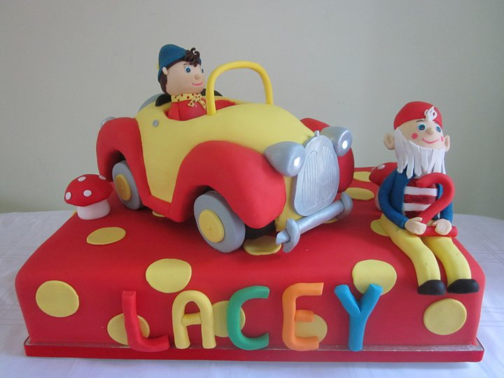divine cake design created a fab noddy birthday cake