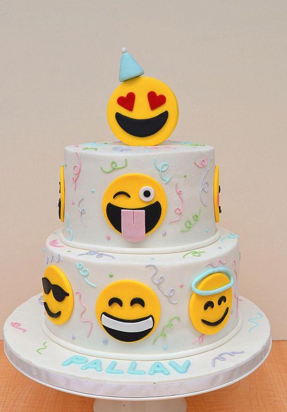 emoji cakes ideas 12