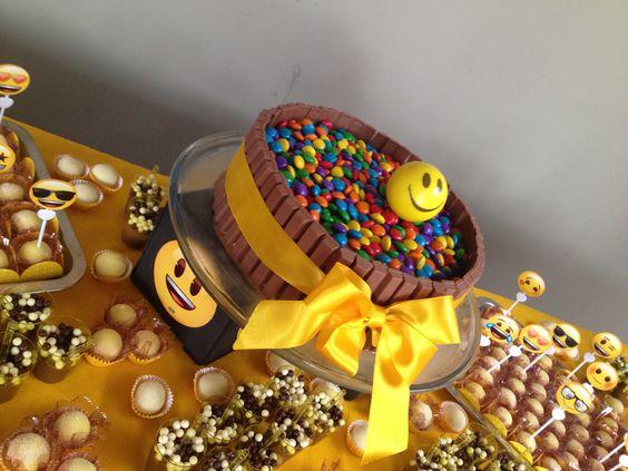 emoji cakes ideas 5