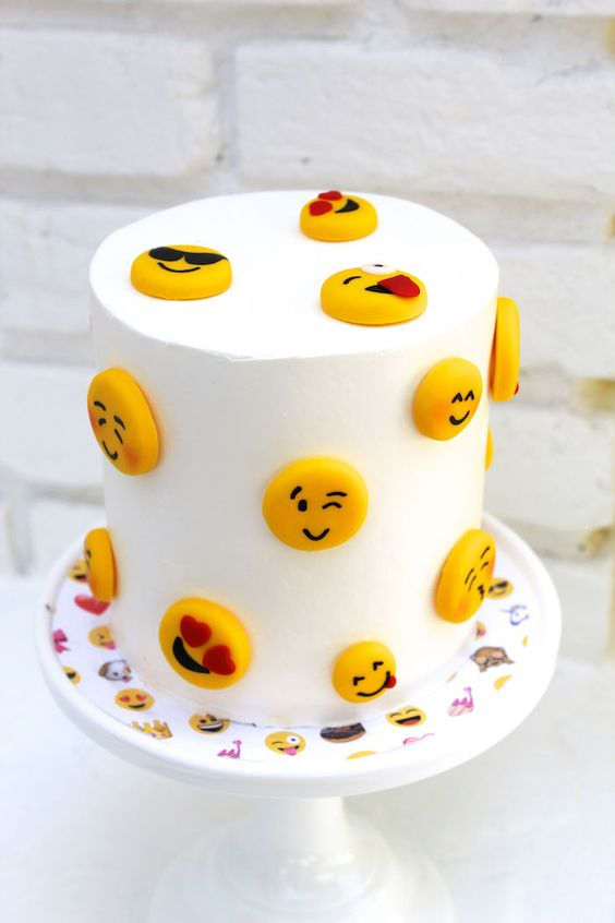 emoji cakes ideas 8