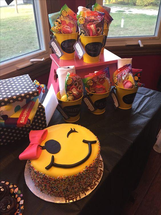 emoji cakes ideas