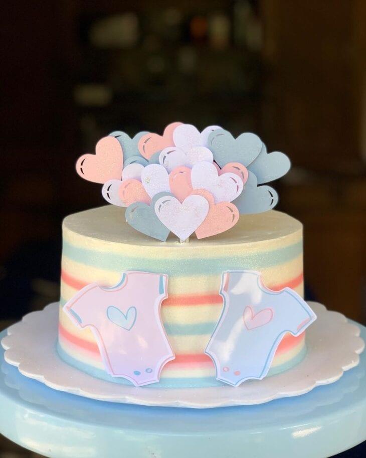 gender reveal baby cake 11