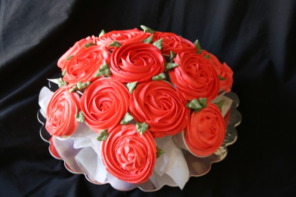 how to make a rose cupcake bouquet 1