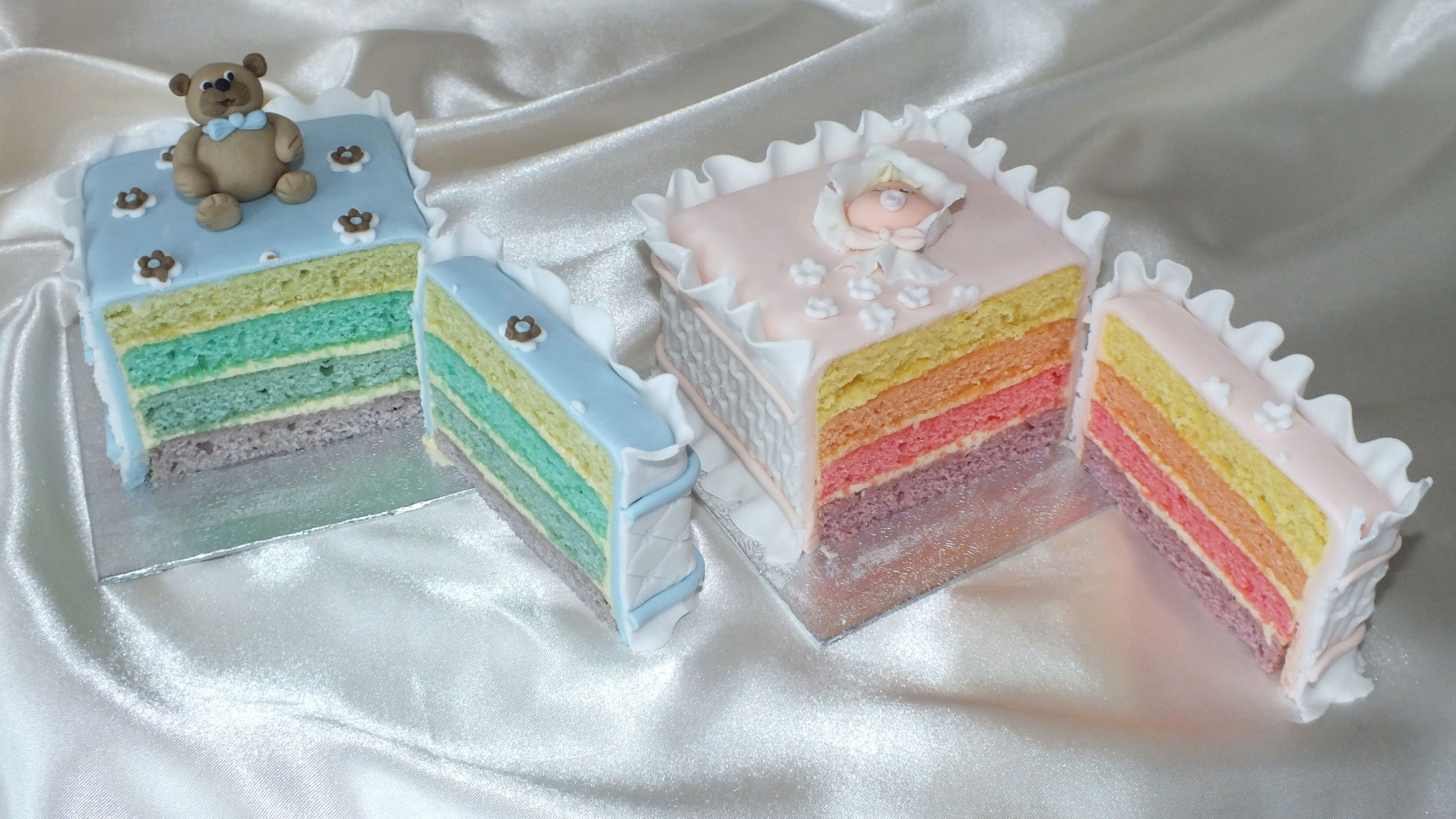 mini cakes rainbow inside
