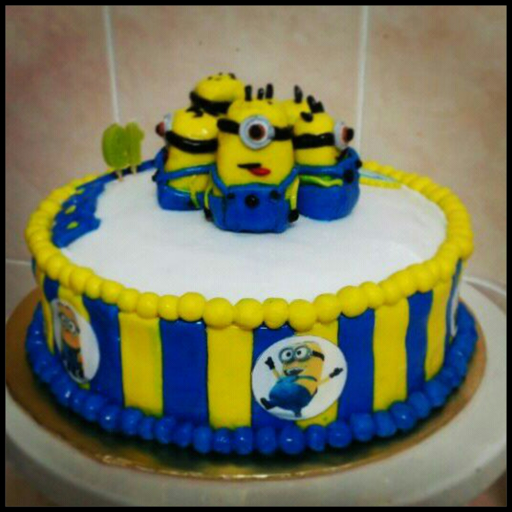 How To Make A D Minion Cake