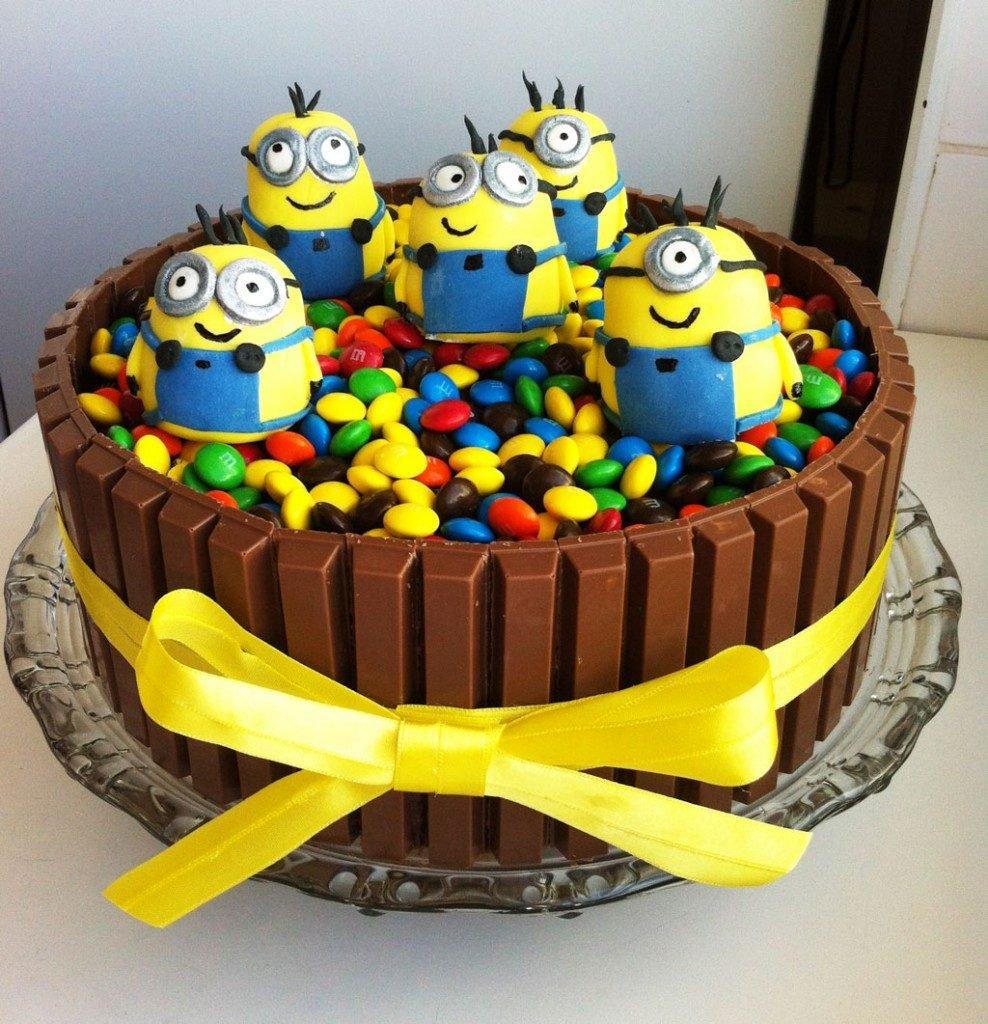 minions cakes 10