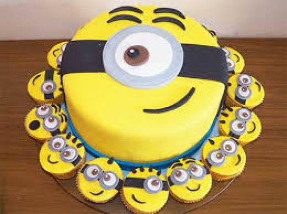 minions cakes 12