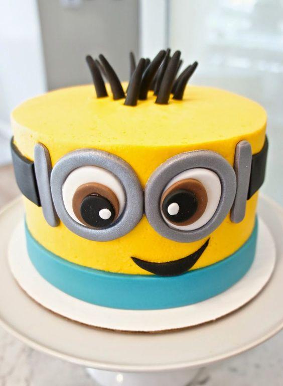 minions cakes 8