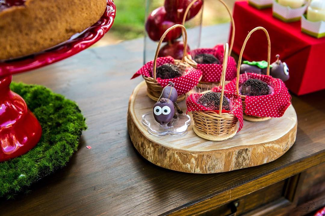 picnic party cakes ideas 10