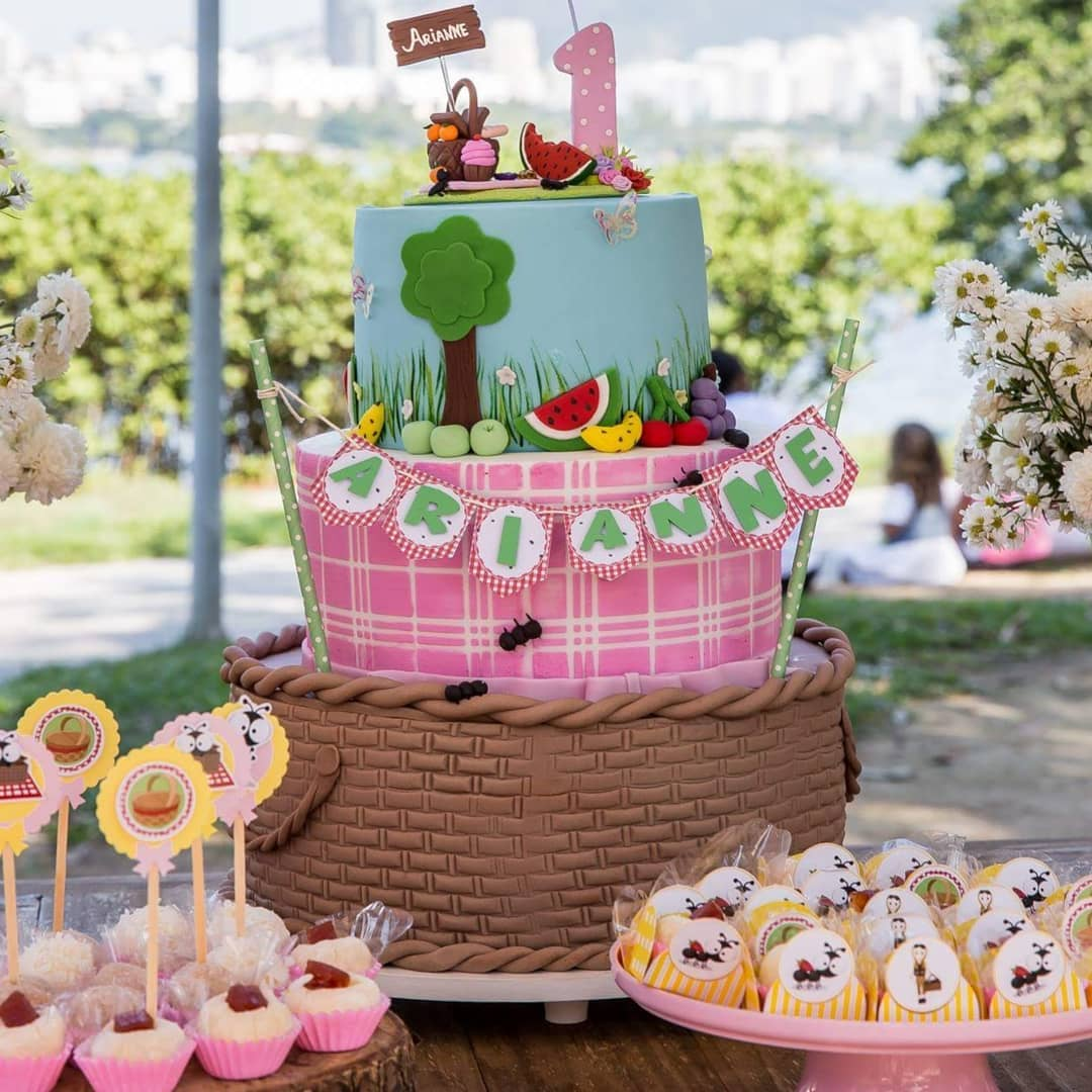 picnic party cakes ideas