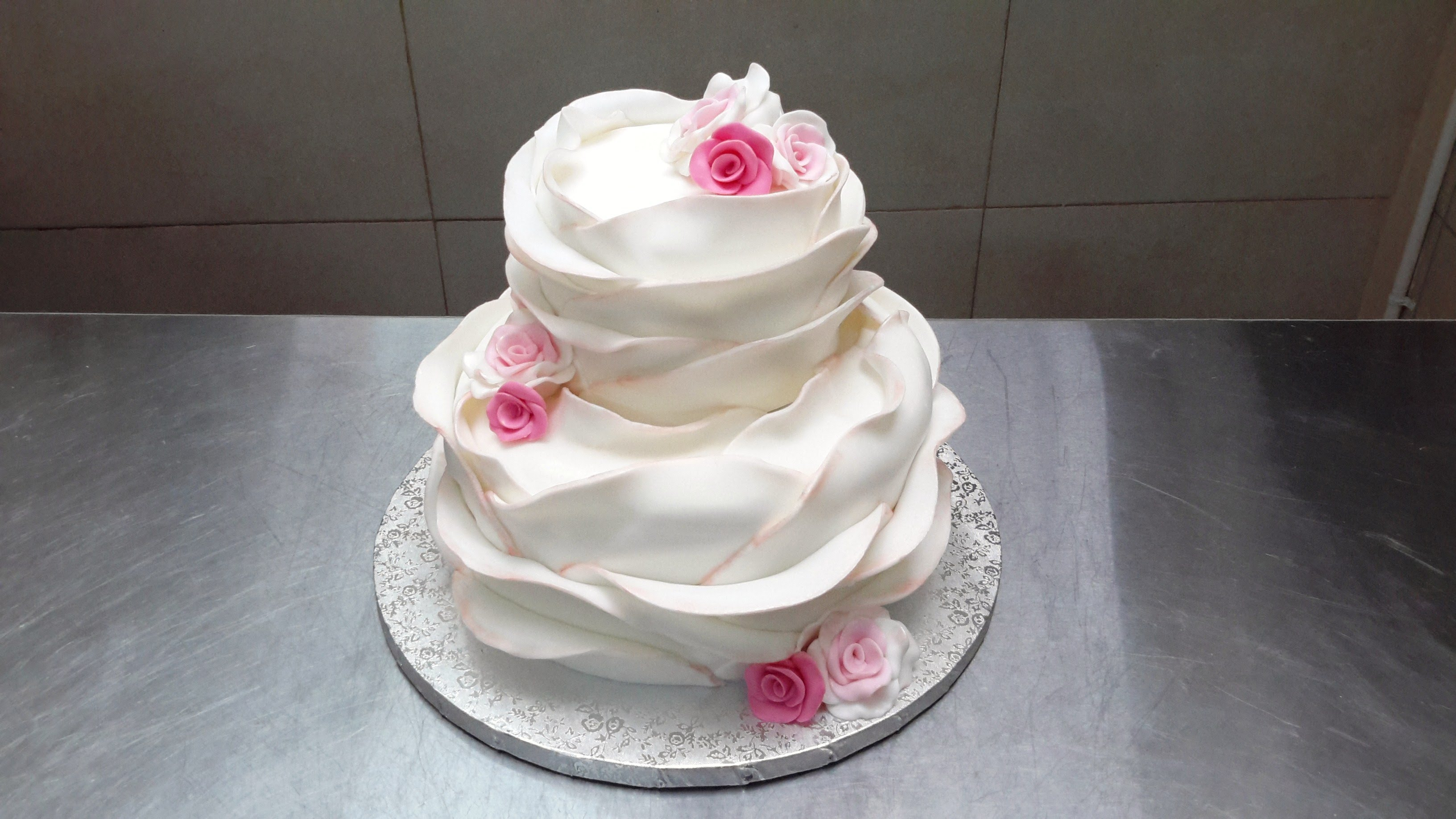 how do you make a wedding cake how to make a beautiful ruffle cake 15390