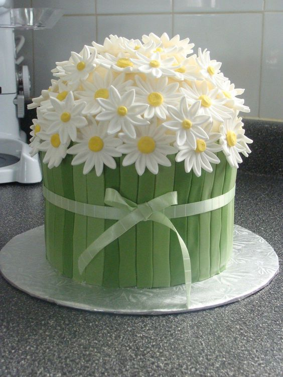spring theme cakes 8