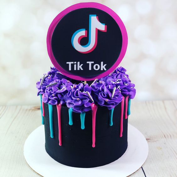 tik tok cake ideas 10