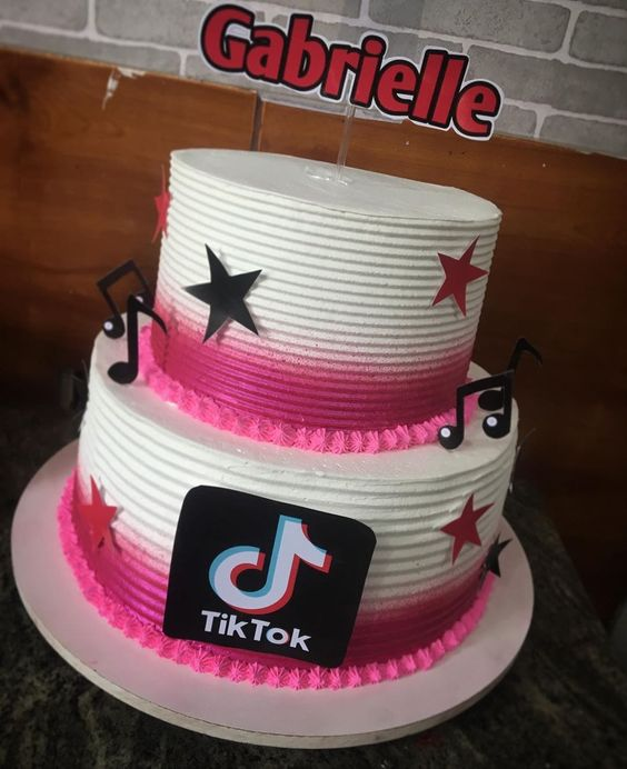 tik tok cake ideas 14