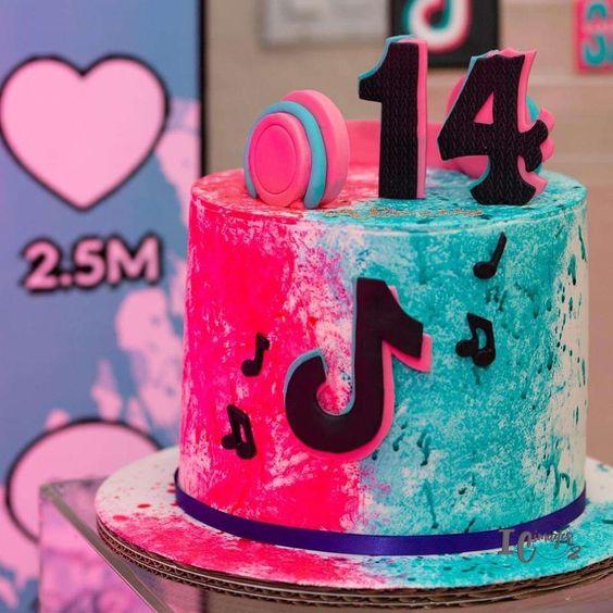 tik tok cake ideas 4