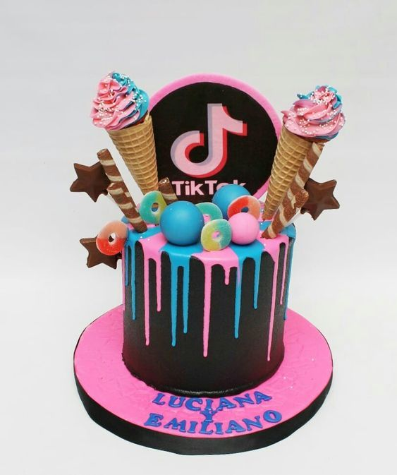 tik tok cake ideas 9