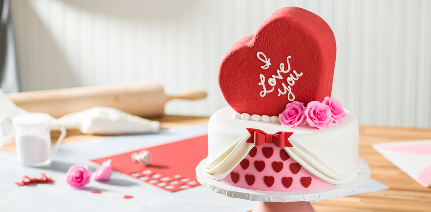 Heart Shape Cake Decoration At Home : 2 Tier Valentine s Day Heart Shaped Cake